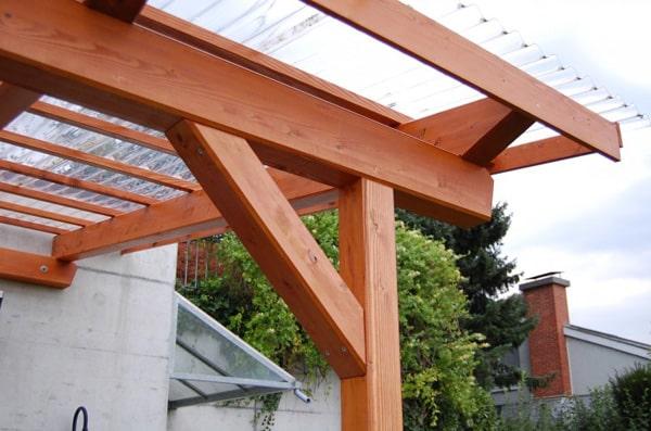 Pergola mit lichtdurchlässigem Dach