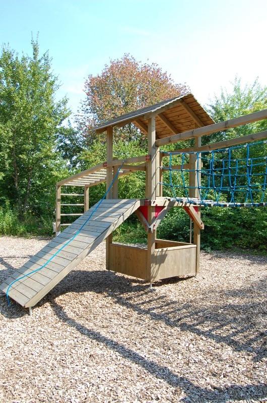 spielplatzgeräte Kinderspielhaus