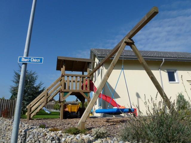 Spielplatzgerät für Garten mit RUtsche