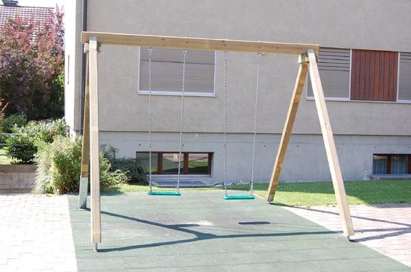 Spielplatzgerät Schaukel 1